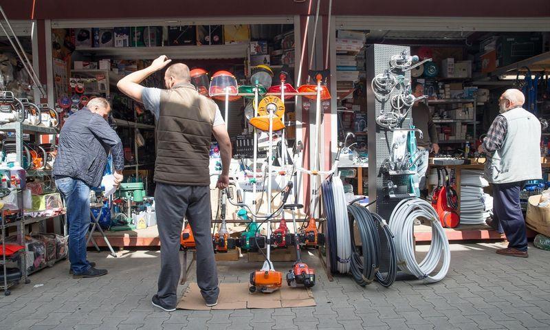 Verslininkai, turguje pasibandę, ar verslauti jiems patinka, jau kuris laikas valdo solidesnius verslus. Vladimiro Ivanovo (VŽ) nuotr.