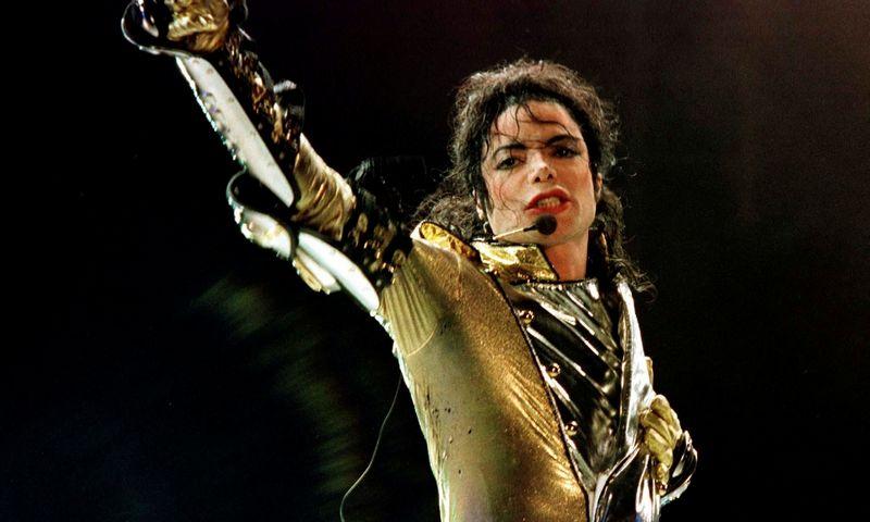 """M. Jacksonas (1958–2009) perkamiausių muzikos kūrėjų sąrašuose karaliavo beveik 12 metų. Leonhard Foeger (""""Reuters""""/""""Scanpix"""") nuotr."""