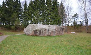Keliaujantiems po Lietuvą – 10 įspūdingiausių riedulių
