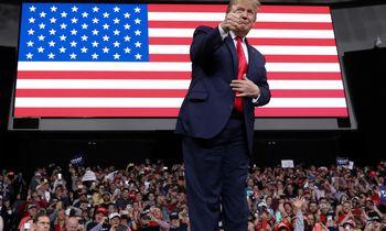 Tarp meilės ir neapykantos: kaip pasaulis vertina D. Trumpą