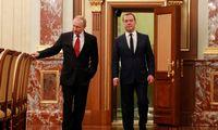 Pokyčių pradžia – atsistatydina Rusijos vyriausybė