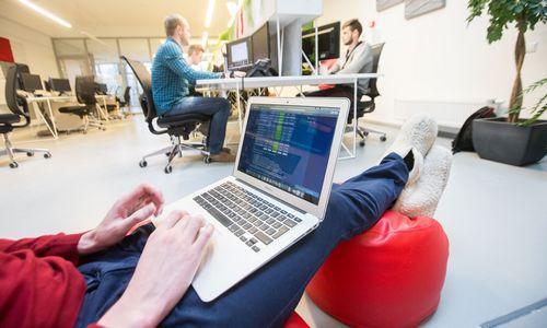 20 bendrovių, kurios siūlo nuotolinį darbą visame pasaulyje