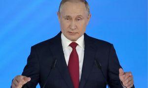 """Po vyriausybės pertvarkos V. Putinas prakalbo apie """"pereinamąjį laikotarpį"""""""