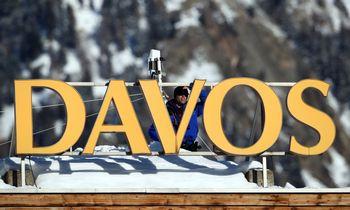 Prieš Davosą įspėja: pasaulis kapitalizmo nelaiko sočios ateities garantu
