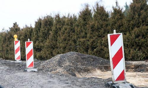 Kelių direkcija pasirašė 8 žvyrkelių asfaltavimo darbų sutartis