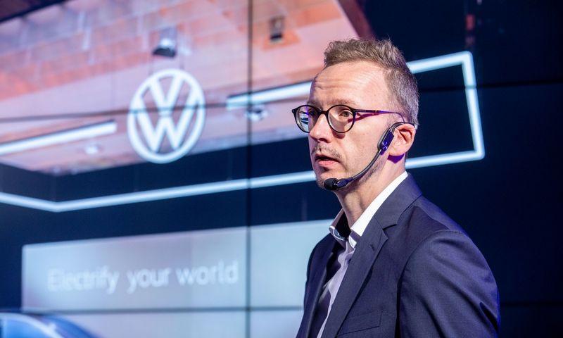 """Justas Nekrošius, """"Volkswagen"""" automobilių prekės ženklo vadovas, tvirtina, kad pekyba elektromobiliais įsibėgės jau šiemet. Juditos Grigelytės (VŽ) nuotr."""