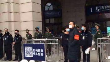 Kinija uždarė naujo viruso protrūkio epicentre atsidūrusį miestą