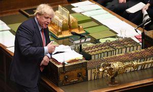 """Britanijos parlamentas galutinai pritarė """"Brexit"""" sutarčiai"""