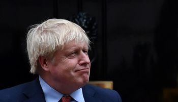 """Premjeras B. Johnsonas pasirašė """"Brexito"""" susitarimą"""