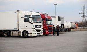 Per mėnesį kelių transporto sektoriuje nebeliko 3.235 darbuotojų