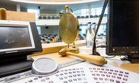 Nesibaigiantilavina: daugiau nei 25.000 teisės aktų pokyčių per metus
