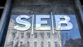 SEB rekomenduota atlyginti nuostolius klientui, sukčiams pervedusiam pinigus