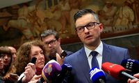Atsistatydino Slovėnijos premjeras M. Šarecas