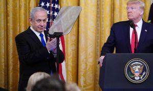 D. Trumpassiūlo įkurti Palestinos valstybę, įšaldyti veiklą nausėdijose
