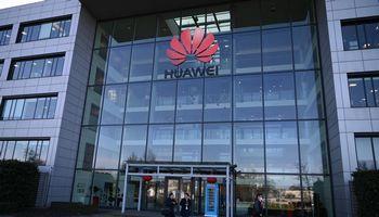 """JK nusprendė leisti """"Huawei"""" dalyvauti plėtojant 5G tinklus"""