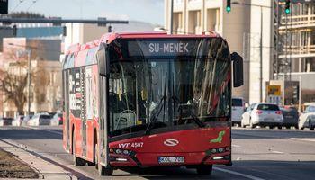 Meną priartins nemokamais autobusais