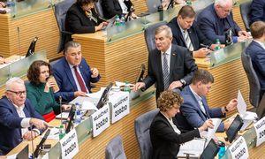 Seime surinkti parašai pradėti apkaltos procesą I. Rozovai