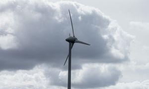 """""""WindEurope"""" vadovas: vėjo parkų plėtotojai sunerimę dėl galimo neigiamo priedo Lietuvoje"""