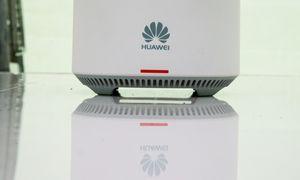 """Europos Komisija tarė žodį dėl 5G: """"Huawei"""" neišskirama"""