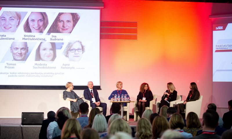 Konferencija pardavimų profesionalų diena 2020. Diskusija kokie sėkmingų pardavėjų praktikų įpročiai padeda siekti maksimalių rezultatų? Vladimiro Ivanovo (VŽ) nuotr.