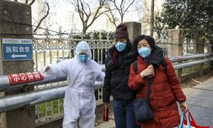 Kinijoje koronavirusoaukų skaičius stabiliai auga