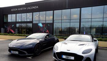 """""""Aston Martin"""" rado gelbėtoją ir žengs į """"Formulę-1"""""""