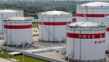 Naftos paklausa Kinijoje smuko penktadaliu, OPEC šaukia techninės komisijos posėdį