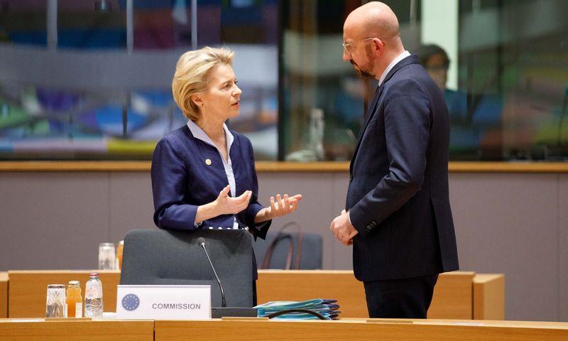 """EK vadovė U. von der Leyen ir Europos Vadovų Tarybos prezidentas Ch. Michelis. JP Black / """"ZUMA Wire"""" / """"Scanpix"""" nuotr."""
