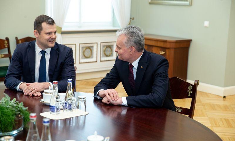 Prezidentas susitinka su Lietuvos socialdemokratų partijos pirmininku Gintautu Palucku. Vladimiro Ivanovo (VŽ) nuotr.