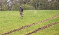 Auditoriai ragina ES pasitempti skatinant tausų pesticidų naudojimą