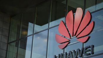"""""""Huawei"""" žada """"pagamintą Europoje"""" 5G mobilųjį ryšį"""