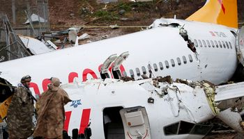 Stambule sužeistųjų per lėktuvo avariją padaugėjo iki 179, trys žmonės žuvo