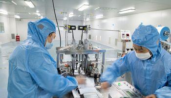 """Jeigu """"pasaulio fabrikas"""" stos, po mėnesio bus pradėtos stabdyti ir Lietuvos įmonės"""