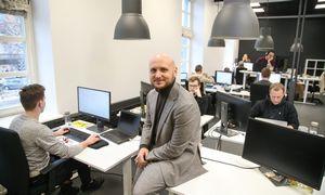 """T. Okmanas, vienas """"Tesonet""""grupės vadovų, įkūrė asmeninę investicijų bendrovę"""