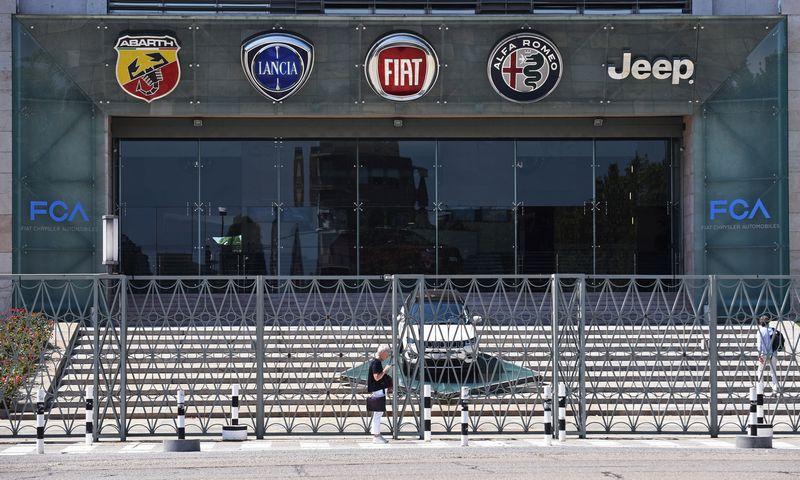 """""""Fiat Chrysler Automobiles"""" – dar vienas gamintojas, pranešęs apie už Kinijos ribų konstatuotą koronaviruso epidemijos poveikį gamybai. """"LaPresse"""" / """"Scanpix"""" nuotr."""