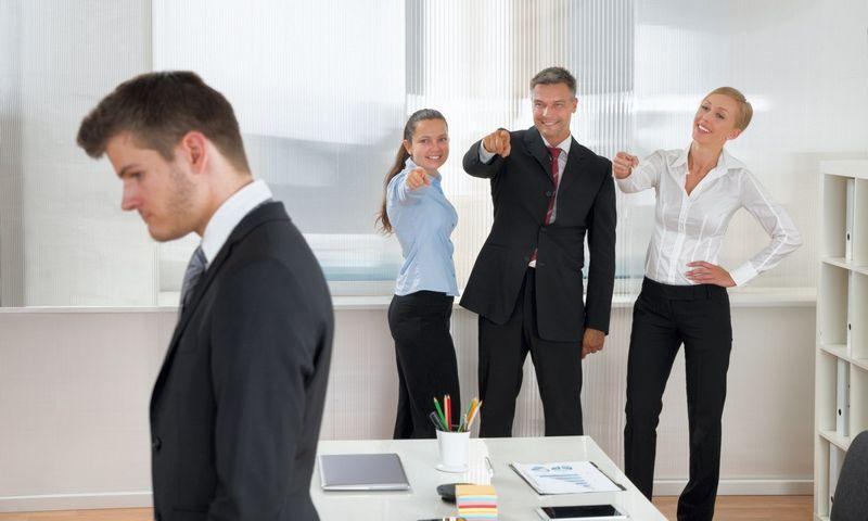 """Darbuotojai su patyčiomis dažnai dorojasi apsimesdami, kad jų nėra. """"Matton"""" nuotr."""