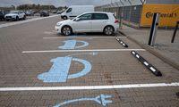 Savivaldybės šiemet įrengs 56 elektromobilių įkrovos stoteles