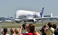 """Pasinaudoti """"Boeing"""" krize """"Airbus"""" trukdo savi rūpesčiai"""
