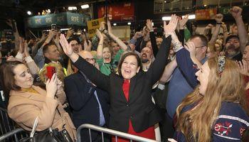 Po rinkimų Airijoje aiškėja neįprasta valdžios dėlionė