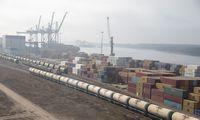 """Okeaninių laivų netekusios """"Klaipėdos smeltės"""" konteinerių krova pernai smuko 34%"""