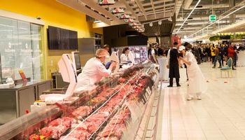 """VMVT: atsakomybė dėl užterštos mėsos tenka ir """"Biovelai"""", ir """"Maximai"""""""