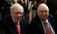 Dešinioji W. Buffetto ranka žeria niūrių prognozių ateičiai