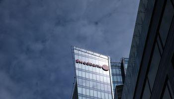 """Komunikacija dėl pinigų plovimo: """"Swedbank""""nukentėjo labiau nei SEB"""