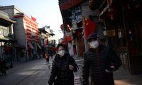 Kinijoje koronavirusas pareikalavo daugiau kaip 1.800 gyvybių