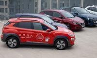 Europos automobilininkai renkasi benziną, atranda elektrą ir pamiršta dyzeliną