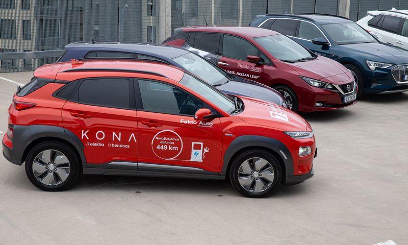 Europoje tendencingai auga kol kas nedidelė elektrinių ir hibridinių automobilių užimama rinkos dalis. Vladimiro Ivanovo (VŽ) nuotr.