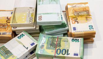 """ES siūlo 180 mln. Eur """"kompensaciją"""" už gyventojų skaičiaus sumažėjimą, IAE – 490 mln."""