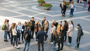 Studentams siūloma mokėti nedarbo išmokas