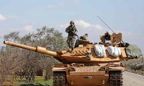 Turkijos pajėgos ir Sirijos opozicija pradėjo puolimą Idlibe
