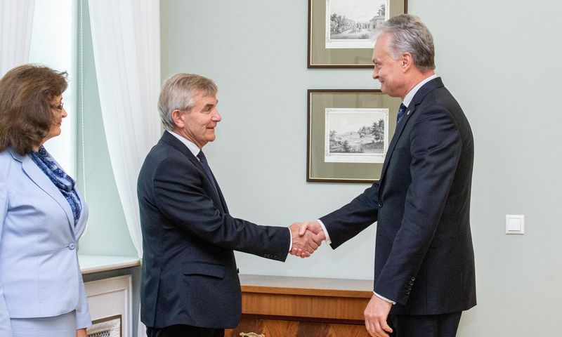 Prezidentas susitinka su Seimo valdyba. Juditos Grigelytės (VŽ) nuotr.